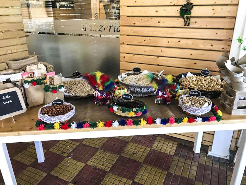 Confettata e tavolo tipico per evento Don Carmelo